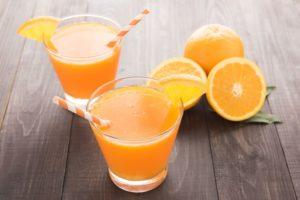Selbstgemachter Kefir-Orangensaft
