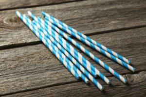 Papiertrinkhalme blau/weiß